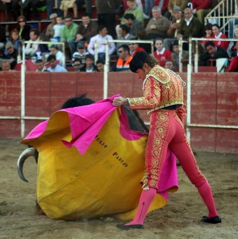 Julio Parejo se gustó a la verónica en sus dos toros.