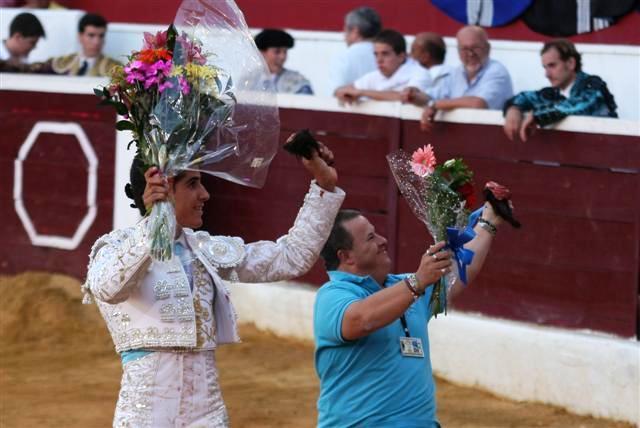 Rafael Cerro acompañado de Albertito. (FOTO:Gallardo)