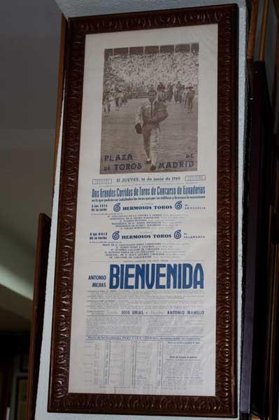Cartel de la corrida en que Antonio Bienvenida lidió seis toros por la mañana y otros seis por la tarde en Madrid.