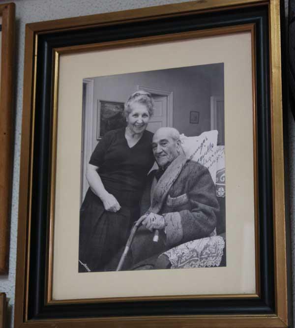 Fotografía de El Papa Negro y su esposa Carmen Jiménez, quienes darían al mundo un buen puñado de toreros que llevaron a Bienvenida por nombre artístico.
