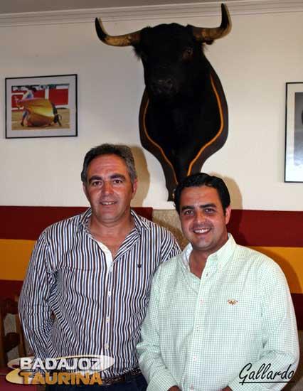 Valencianos amantes del toro y el caballo.