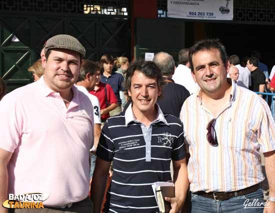 El Dr. Vélez, Juan Bazaga y Fco. J. Santana.