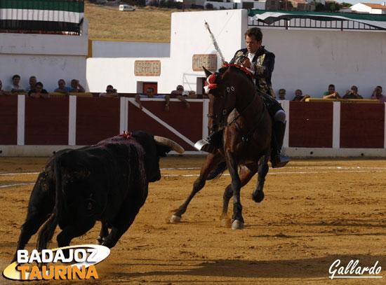 Moura Caetano con el que abrió festejo. (FOTO: Gallardo)