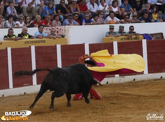 Larga cambiada de Antonio Ferrera al primero. (FOTO:Gallardo)