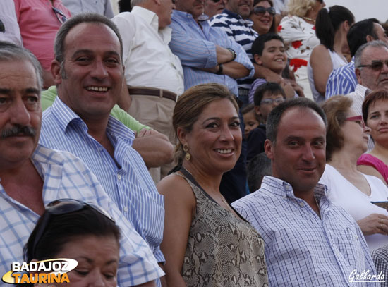 Arcadio, Rocío y Manuel Albarrán Sánchez - Moraleda, en claro apoyo a los toreros extreemeños.
