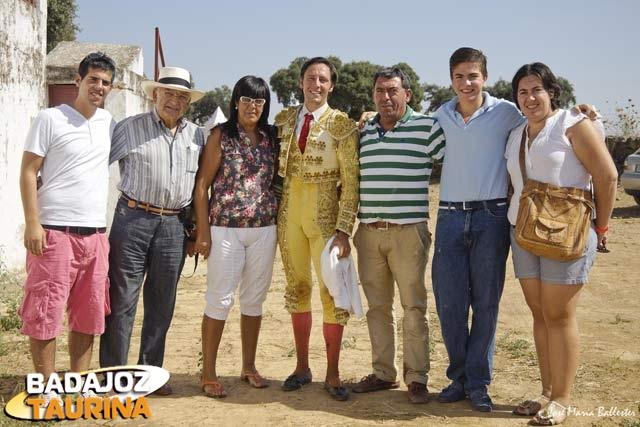 La familia de Curro estuvo presente en Carriquiri y le acompañará en Villanueva.