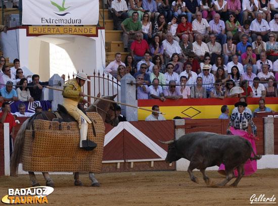 Guillermo Marín tirando el palo.