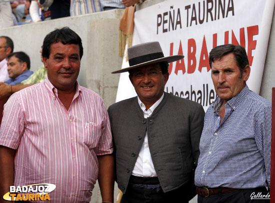 Ángel Sánchez con los mayorales de Zalduendo y Alcurrucén.