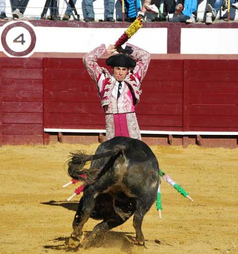 Debut como torero de plata en Cabeza la Vaca. (FOTO:F.J.Campos)