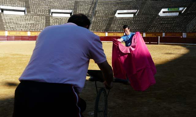 ...y José Núñez 'El Pilo', que ahora tendrá que amoldar sus formas capoteras.