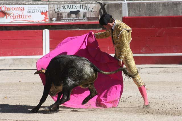 Fernando Flores parando a su eral.