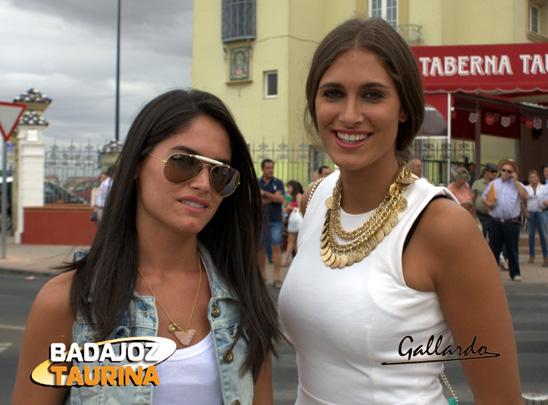 La novia y la hermana de Julio Parejo.