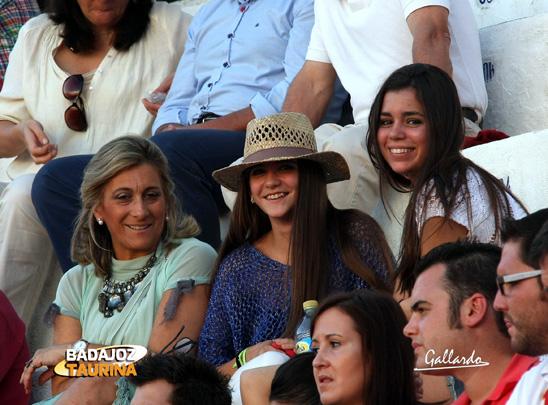 La madre, la hermana y una amiga de Ladislao y Alfredo Navarro.