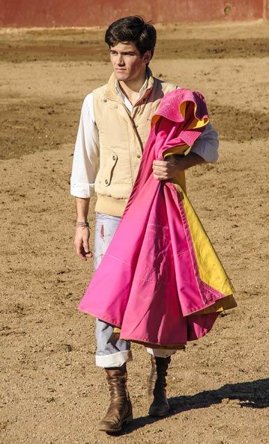 Jose Garrido con la mirada puesta en su presentación con caballos. (FOTO: J.M.Ballester)