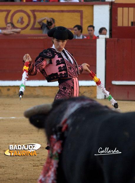 Manuel Larios.