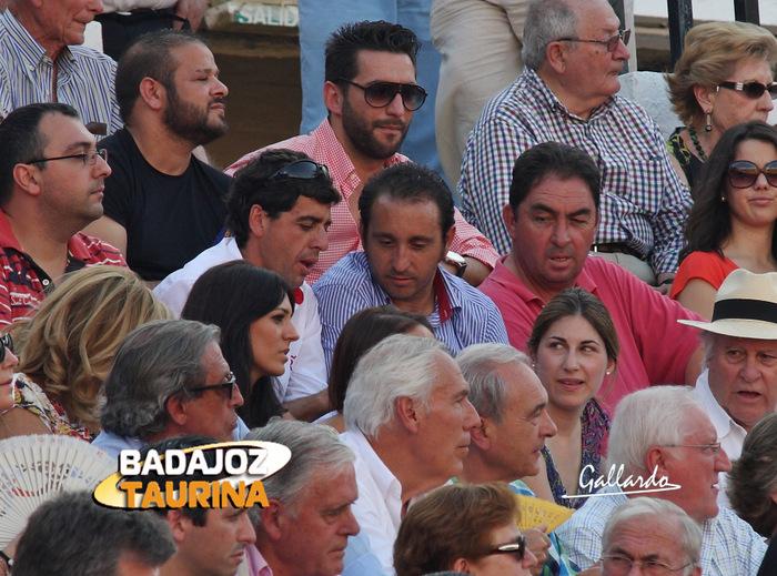 El banderillero Fernando González con unos amigos