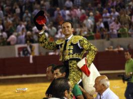 Antonio Ferrera en hombros.