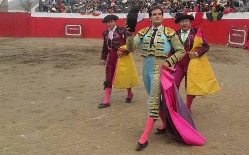 Dando una vuelta en un ruedo peruano. (FOTO:CEDIDA)