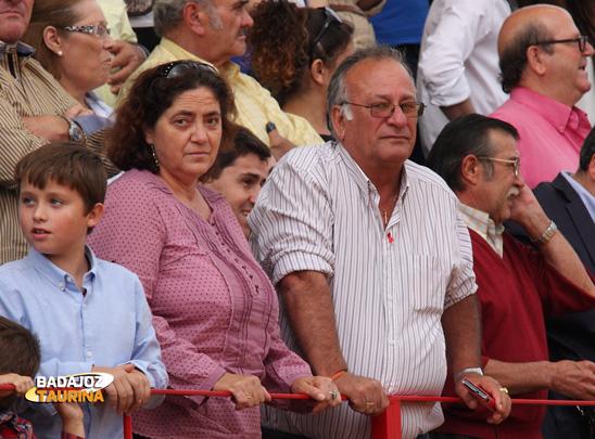 Luciano León y su esposa, dos aficionados de primera