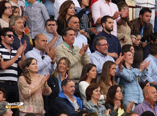 Las familias Angulo&González apoyando a su torero