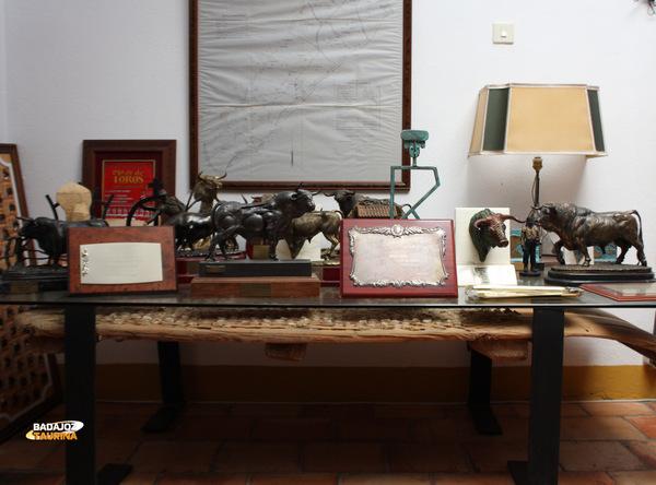 Galería de trofeos conquistados por la ganadería de Cayetano Muñoz