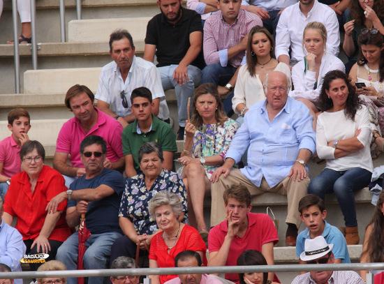 La familia Muñoz y los hijos del mayoral de la casa