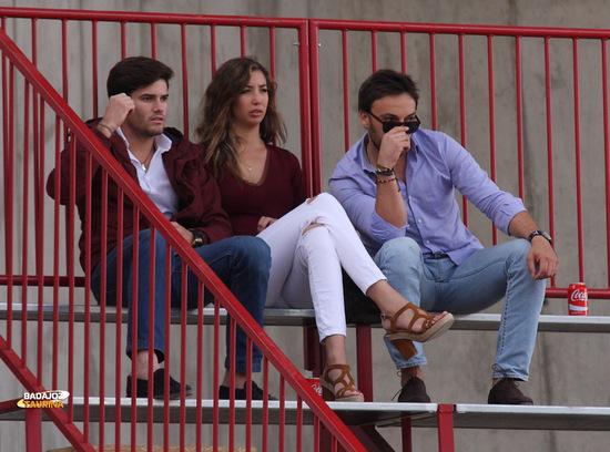 José Garrido viendo a sus amigos
