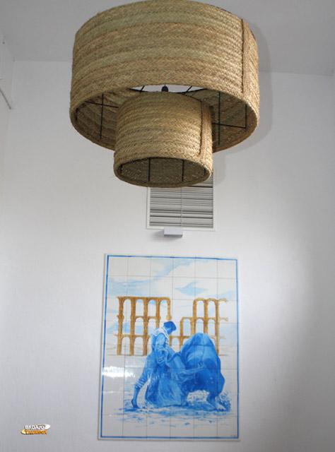 Detalle de una de las paredes de los pasillos