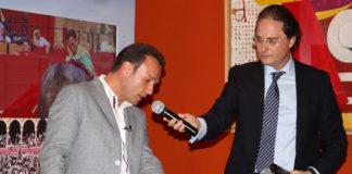 Antonio Ferrera contando su faena en Sevilla (FOTO: Toromedia)