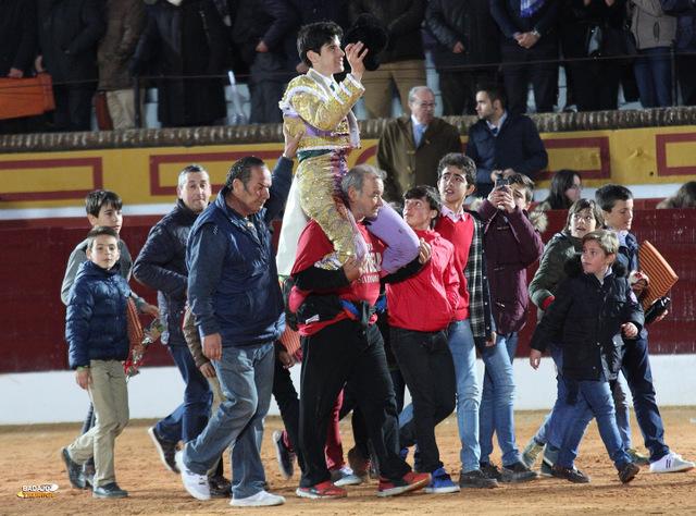 Los más jóvenes con López Simón como referente