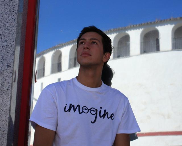 Miguel Ángel Silva imaginando su alternativa (FOTO: Gallardo)