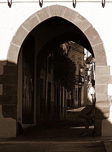 Una nueva puerta se abre en su camino...