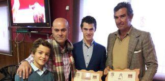 Juan Luis Moreno y Tomás Prieto de la Cal con sus premios cosechados en Fuentes de León
