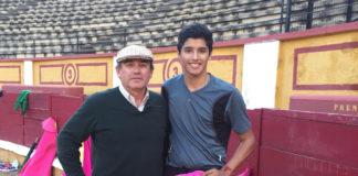 Cayetano Delgado junto a Luis Reina que será su maestro en estos meses de formación en la Escuela Taurina de Badajoz