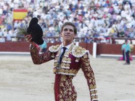 Ginés Marín dando la vuelta al ruedo en Las Ventas (FOTO: Plaza 1)