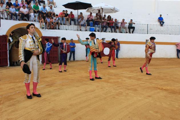 Paseíllo en Fuentes de León
