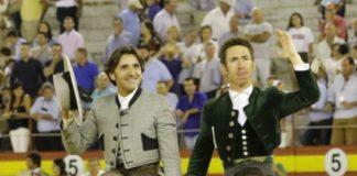 Diego Ventura y Leonardo Hernández a hombros