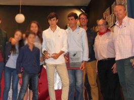 Ismael Jiménez y Fernando González con los premios conseguidos en Arauzo de Miel (FOTO: Alfonso Benito)