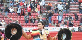 José Garrido dando la vuelta al ruedo en plaza México. FOTO: Tadeo Alcina-aplausos.es
