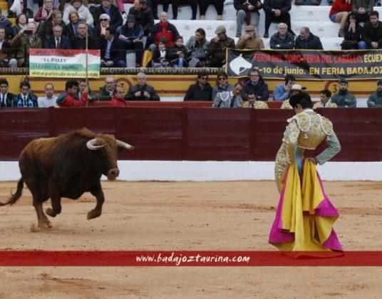 Juan Silva 'Juanito' en el quite