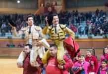 Tomás Campos sale a hombros de Arnedo junto a Urdiales (FOTO: Carmelo Betolaza-Aplausos)