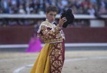 Ginés Marín saludando la ovación de Las Ventas (FOTO: Javier Arroyo-Aplausos)