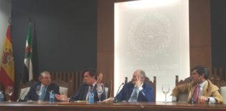 La mesa de actuantes de las XI Jornadas de Convivencia Taurina del Colegio de Abogados de Badajoz