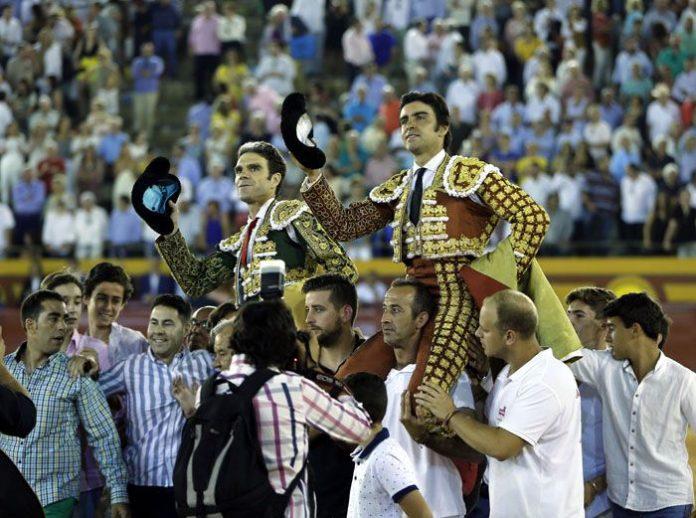 Perera y José Tomás salen a hombros en Algeciras (FOTO: Arjona-Aplausos)