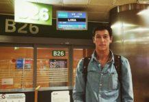 El diestro segedano momentos antes de embarcar rumbo a Lima (Perú)