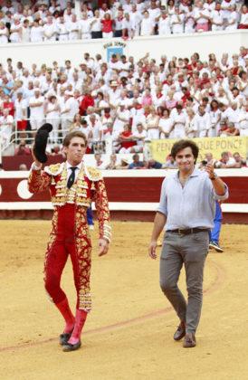 Ginés Marín y Santiago Domecq dando la vuelta en Dax (FOTO: COSTEDOAT)