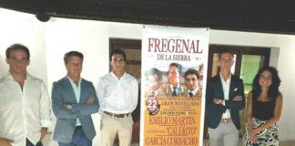 La terna junto al empresario y la concejala Linares