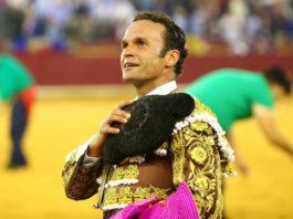 Antonio Ferrera dando la vuelta al ruedo en Zaragoza (FOTO: Coso de la Misericordia)