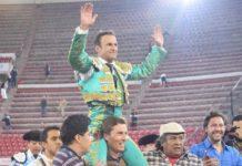 Ferrera sacado a hombros en La México. FOTO: Tadeo Alcina