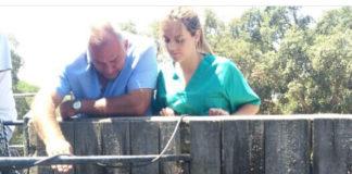 Antonio y Matilde Albarrán en una imagen de su labor de campo.